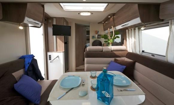 Bavaria initial int gral i781 ajd loisirs vrije tijd for Salon camping car